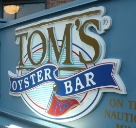 TOMS OYSTER BAR